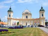 Kościół w Tykocinie odzyskuje dawny blask, ale jeszcze potrzebuje remontów. Tysiące turystów podziwia świątynię