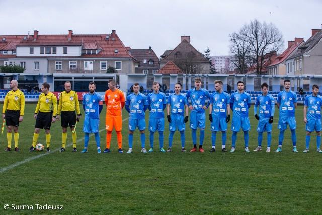 Błękitni ostatni mecz ligowy rozegrali 7 marca, już bez udziału publiczności, ze Stalą Stalowa Wola. Był bezbramkowy remis