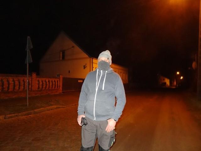 Jak informuje sołtys Popowa Tomasz Walczak, prace przy rozświetlaniu wsi.