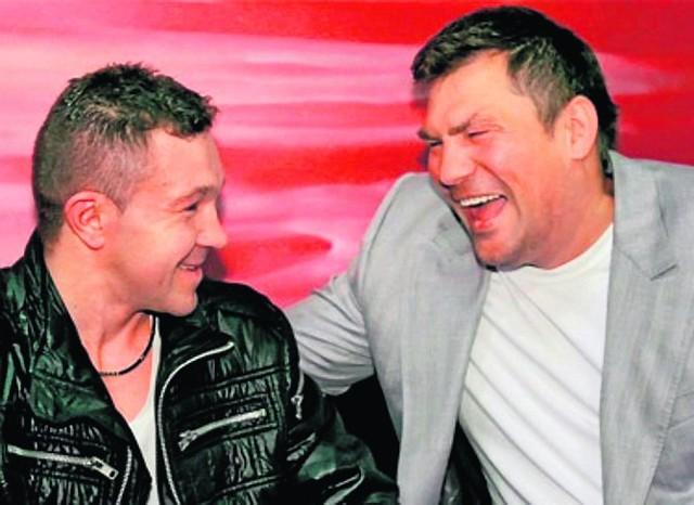 """Dariusz """"Tiger"""" Michalczewski (z prawej) będzie gościem specjalnym gali organizowanej przez Dariusza Snarskiego (z lewej)"""