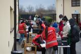 Śniadanie Wielkanocne z Caritas. Namiastka świętowania w reżimie sanitarnym. Zobacz zdjęcia