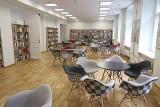 Łódzkie biblioteki już są otwarte, na razie 25 filii w całym mieście, czytelnicy mogą wybierać książki osobiście