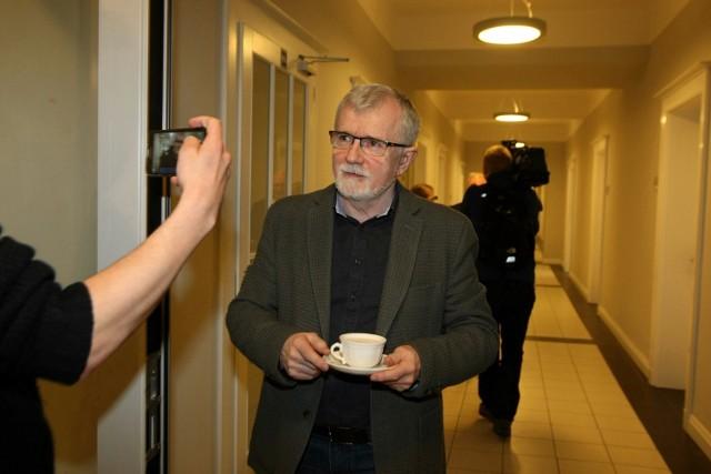 """Spektakl """"odwołanie dyrektora"""" z Cezarym Morawskim w roli głównej nadal trwa..."""