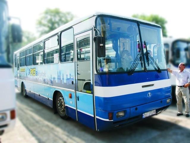 Tym autobusem jeździł 53-latek. Tam też w niedzielę rano znaleziono jego ciało.