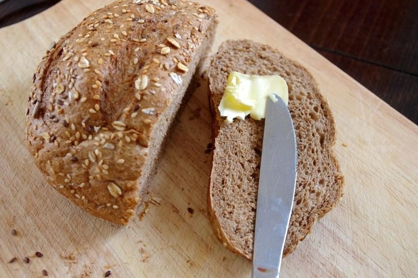 Masło znów drożeje. I będzie drożeć jeszcze bardziej. Dlaczego zapłacimy ponad 7 zł za kostkę