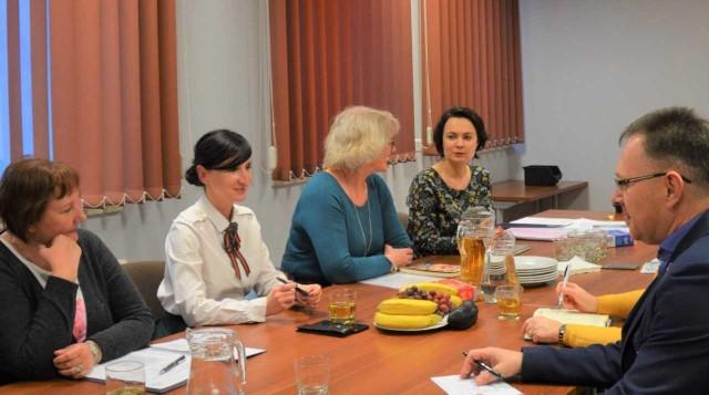 Przedstawiciele Rady podkreślali, że jest coraz większa potrzeba kształcenia opiekunów osób starszych.