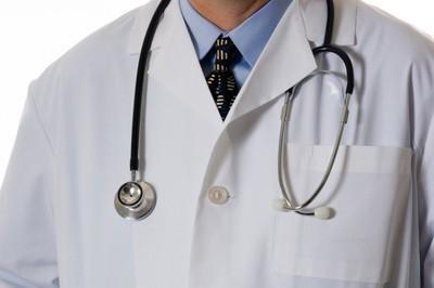 Zarobki lekarzy należą do najwyższych na Świętokrzyskiej Liście Płac.