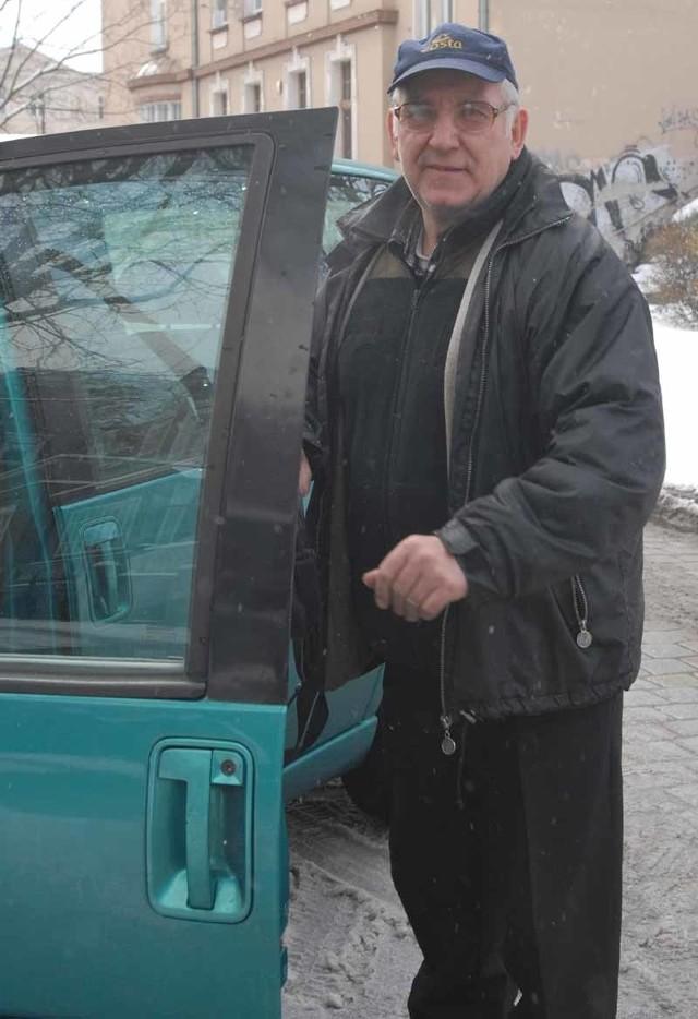 Pan Tadeusz Rybak nigdy nie podejrzewał, że po 12 latach dopadną go dziwne formalności związane z oznakowaniem auta. Od tego czasu zdążył już kilka razy zmienić samochody.