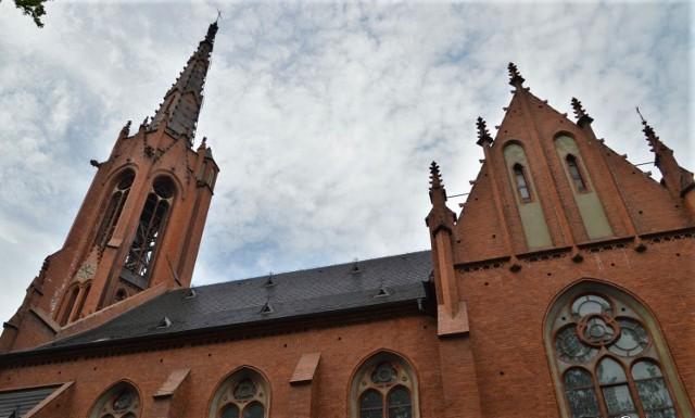 Parafia Chrystusa Króla i Zwiastowania NMP - była kontrola hałasu emitowanego przez głośniki i mandat dla proboszcza.