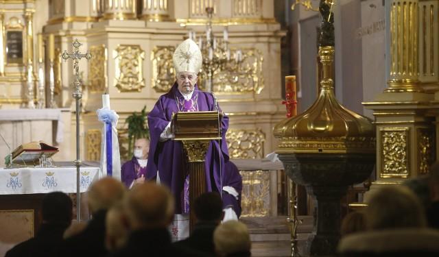 Msza Święta w intencji Ojczyzny w rocznicę wprowadzenia stanu wojennego w Rzeszowie.