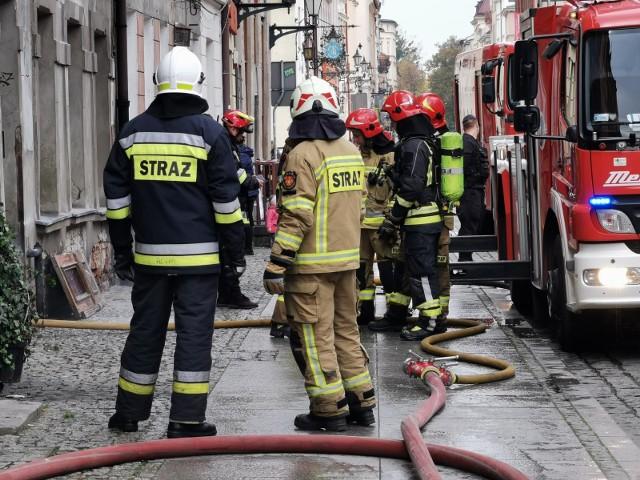 Piliło się mieszkanie na drugim piętrze w kamienicy przy ulicy Średzkiej. Zdjęcie ilustracyjne