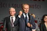 """Donald Tusk """"Szczerze"""". 12 grudnia premiera książki byłego premiera. Opowie o kulisach polskiej i europejskiej polityki. To start kampanii?"""