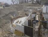 Obok amfiteatru w Opolu znaleziono fragment drewnianego grodu