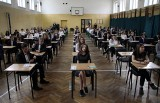 Egzamin gimnazjalny 2019 w Lublinie. Stres, wątpliwości i problemy związane ze strajkiem nauczycieli. Zobacz zdjęcia i wideo