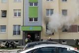 Pożar na osiedlu Sobieskiego w Oławie. Dwie osoby poszkodowane
