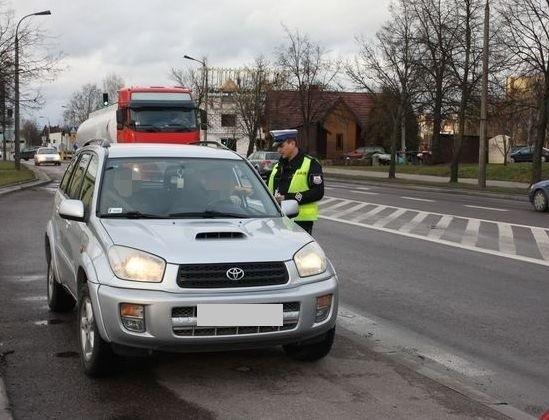 Wsród skontrolowanych kierowców, jeden nie chciał się poddać badaniu i zaczął uciekać przed policjantami.