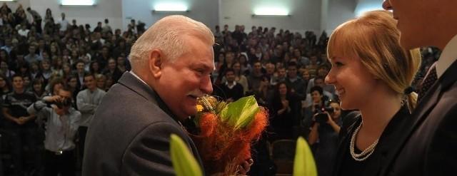 Lech Wałęsa spotkał sie z młodzieżą w auli Uniwersytetu Zielonogórskiego