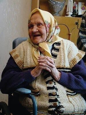 A tak niedawno pani Ludwika cieszyła się z życzeń, medalu, dzieci, które przyjechały na setne urodziny i gości... Fot. Anna Szopińska