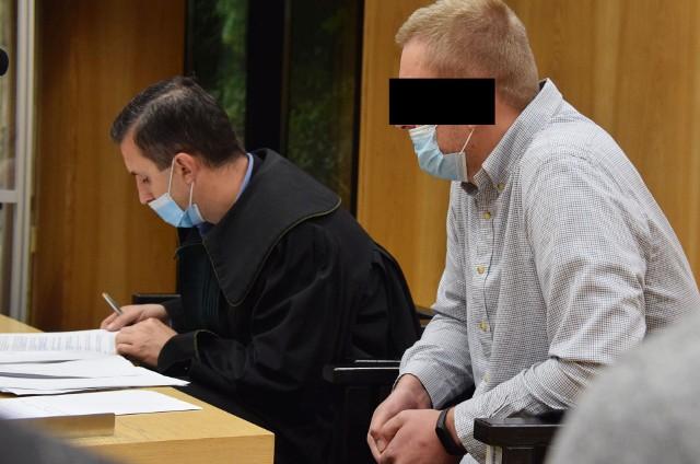 Mateuszowi H., którego prokuratura oskarżyła o spowodowanie wypadku, grozi kara od 6 miesięcy do 8 lat więzienia. M