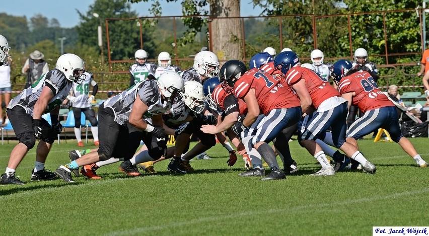 Barbarians Koszalin byli gospodarzami turnieju Ligi Futbolu Amerykańskiego zespołów 9-osobowych (LFA9). Na bocznym boisku ZOS Gwardia rozegrane zostały trzy mecze, w których obok gospodarzy zaprezentowały się ekipy Armady Szczecin i Białych Lwów Gdańsk.