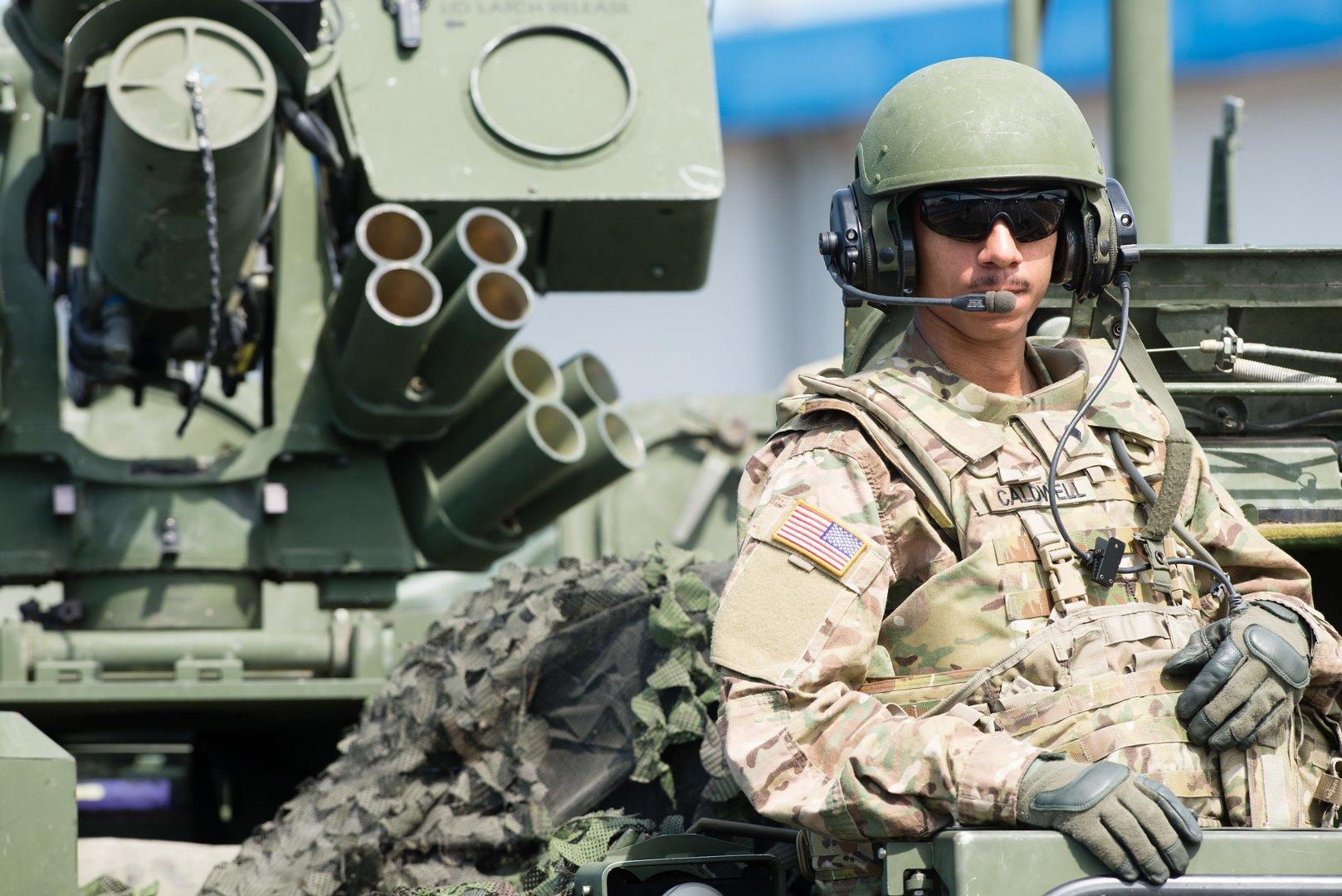 Zgłaszanie oszustw związanych z randkami wojskowymi
