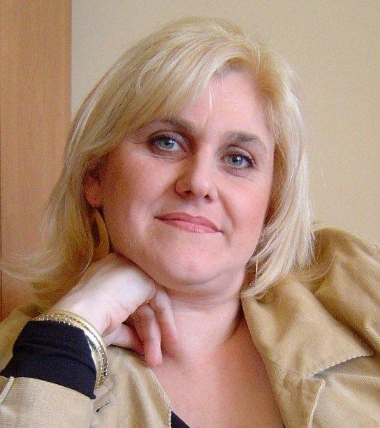Po wydaniu powieści okrzyknięto ją kielecką Katarzyną Grocholą.