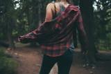 Koszula w kratę to hit na jesień 2021! Najmodniejsze damskie koszule w kratę - stylowe i ponadczasowe [zdjęcia]