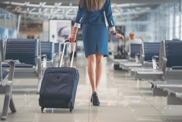 Szonja Gresa to najpiękniejsza stewardessa świata - tak postanowili internauci. Zobacz na kolejnych zdjęciach piękność, która podbiła przestworza i serca internautów!