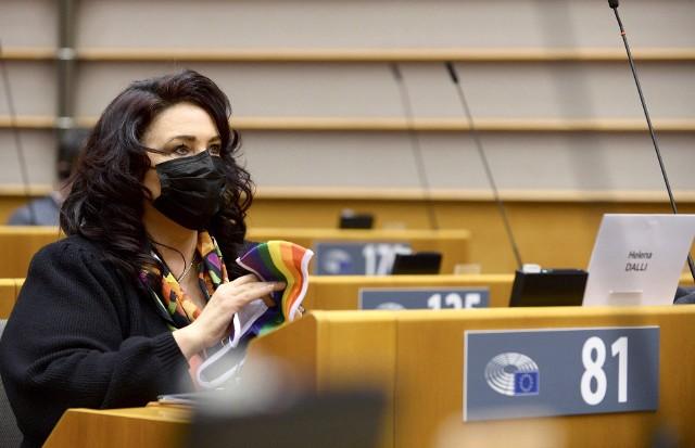 """Dzisiaj głosowanie w Parlamencie Europejskim na temat rezolucji ustanawiającej """"strefę wolności"""" dla osób LGBTIQ w całej UE"""