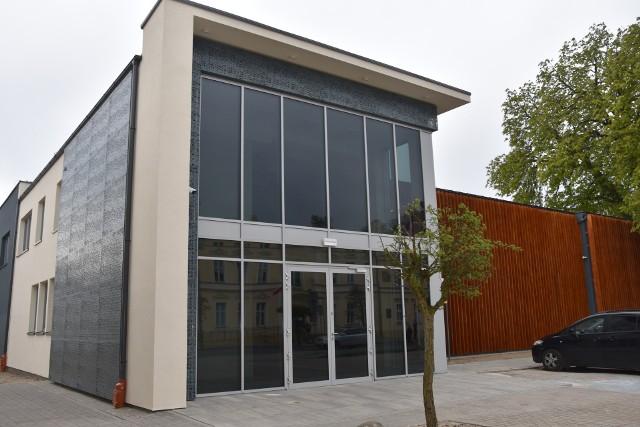 Budynek SzDK zyskał zupełnie inny, nowoczesny kształt. W środku jeszcze więcej zmian