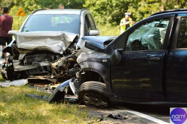 Do groźnego wypadku czterech aut doszło na drodze między Włocławkiem, a Brześciem Kujawskim.