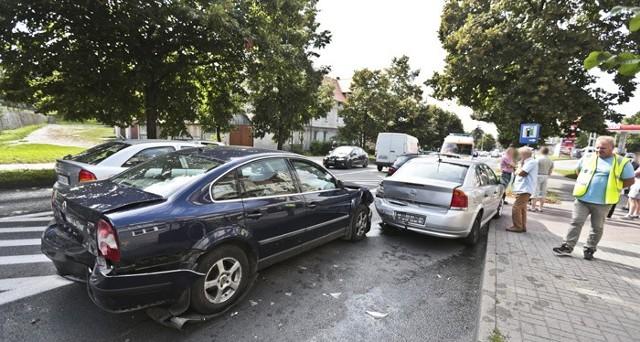 Zderzenie pięciu aut na ul. Wroclawskiej w Zielonej Górze.