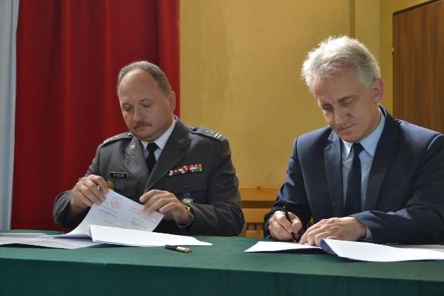 Podczas inauguracji roku szkolnego podpisano porozumienie pomiędzy ZSP 2 a WKU