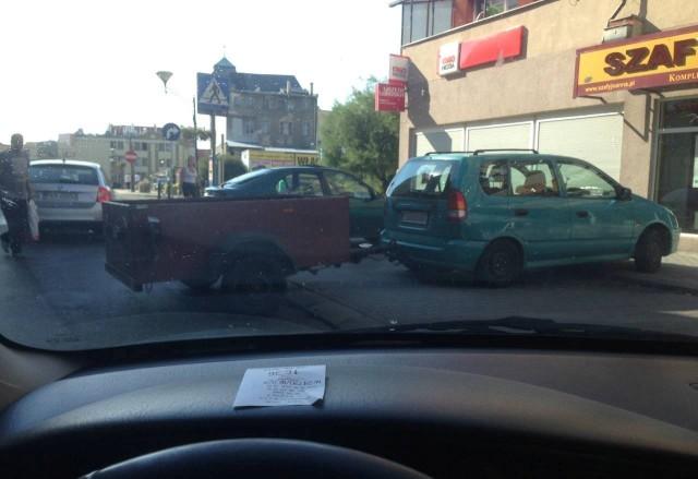 Tak zaparkował autodrań w Żagniu,