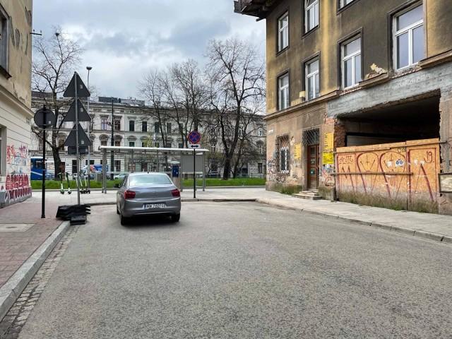 Grupa radnych z Dzielnicy I Stare Miasto przygotowali projekt uchwały, w której wnioskują do władz Krakowa o udrożnienie zaślepionych ulic w centrum takich jak Miodowa, Brzozowa, Meiselsa, św. Agnieszki, Sarego.