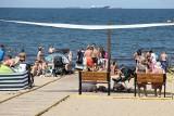 Otwarto plażę przyjazną dla niepełnosprawnych. Brzeźno ze specjalną infrastrukturą i amfibią