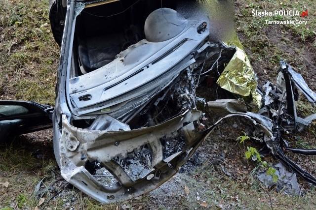 Peugeot wypadł z drogi, 51-latek zginął na miejscu