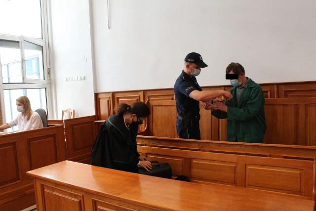 Stanisław W. odpowiada przed krakowskim sądem za próbę zabójstwa znajomego Juliana P.