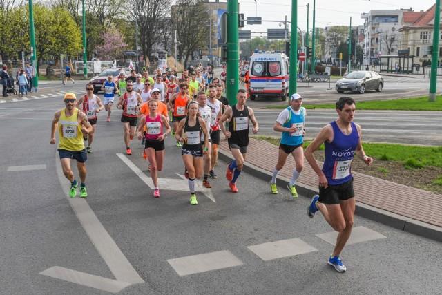 Z powodu poznańskiego półmaratonu kierowcy mogą spodziewać się zamknięcia odcinków ulic na jego trasie.