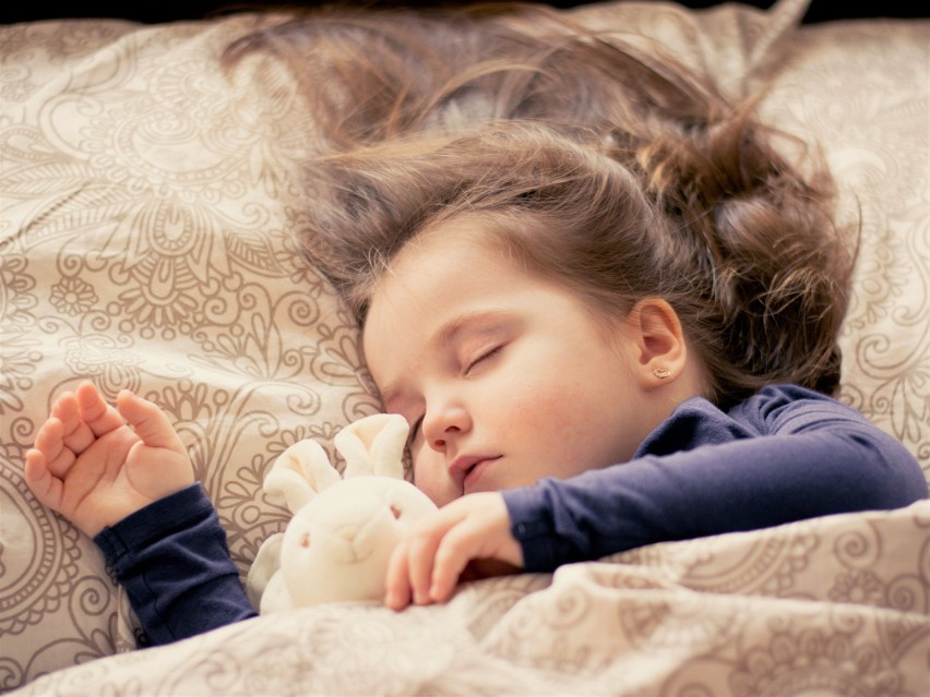 Przedszkolak 3-5 lat - powinien spać 10-13 godzin