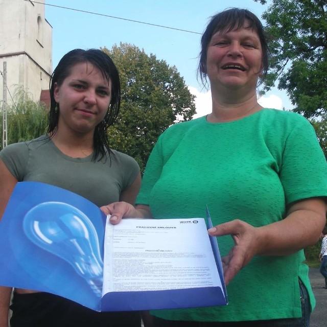Wiesława Dominik z córką Iloną: - Dzięki pracy w Czechach mogę codziennie widzieć dzieci.