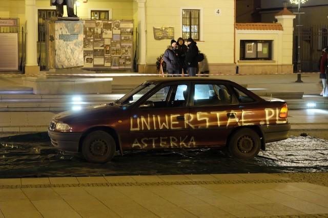 Jedną z atrakcji 26. Finału Wielkiej Orkiestry Świątecznej Pomocy w Białymstoku był pokaz ratownictwa.