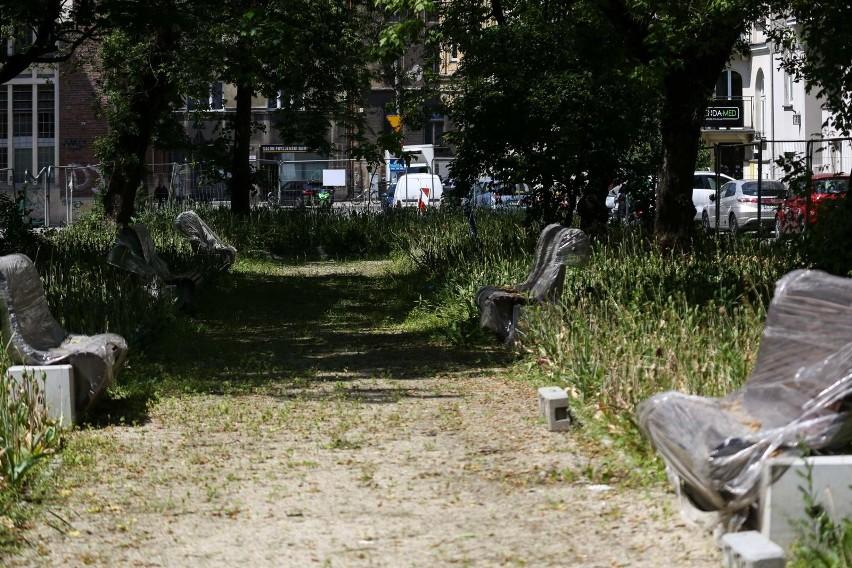 Przetarg na przebudowę placu Biskupiego rozstrzygnięto w...