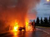 Pożar samochodów w Podlaskim. Spłonęły trzy auta (zdjęcia)