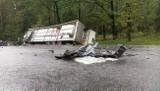 Tatarowce. Wypadek śmiertelny na DK65. Ciężarówka zderzyła się z osobówką. Zginęły cztery osoby, w tym troje dzieci (zdjęcia)