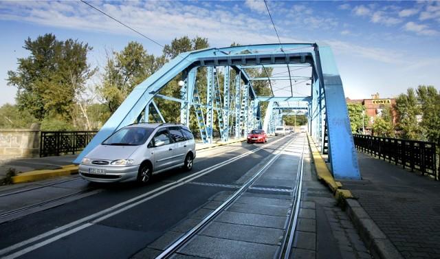 Most Sikorskiego to tzw. most kratownicowy ze stalową konstrukcją. Ma niemal 100 m długości