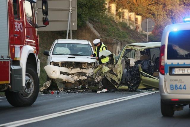 Polskie drogi są najbardziej niebezpieczne w Unii Europejskiej – na 100 wypadków ginie statystycznie aż 9,6 osób, a w Niemczech tylko 1,0
