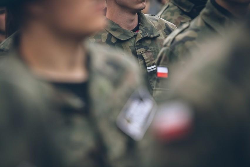 Wyprzedaż w wojsku w Bydgoszczy! Co kupisz za grosze?...