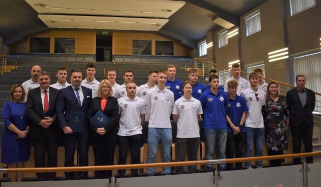 W Małopolskiej Uczelni Państwowej w Oświęcimiu podpisano porozumienie w sprawie powołania akademickiej drużyny hokejowej