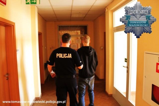 Zatrzymani podczas włamania to mieszkańcy Tomaszowa. Mieszkają niedaleko miejsca, w którym wpadli.